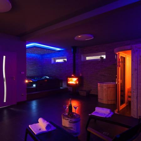 Jemné osvětlení a relaxační hudba – Wellness Penzion Agáta.