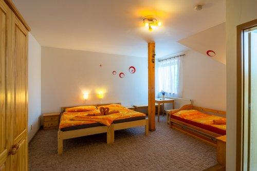 012b-800-Wellness-Penzion-Agata-04062018-IMG 1435-HDR-MaK-Piny-cz